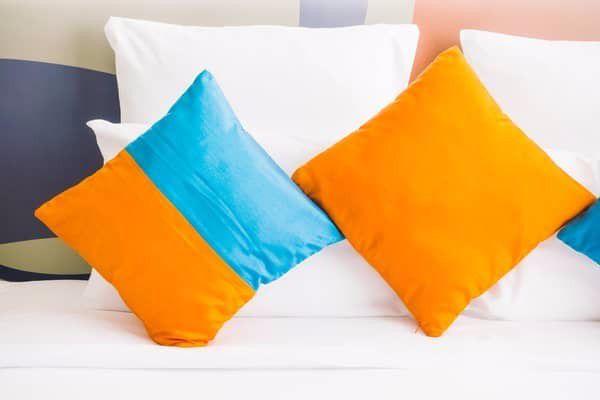 Ιδέες Ανακαίνισης <br />Προσθέτουμε χρωματιστά μαξιλάρια